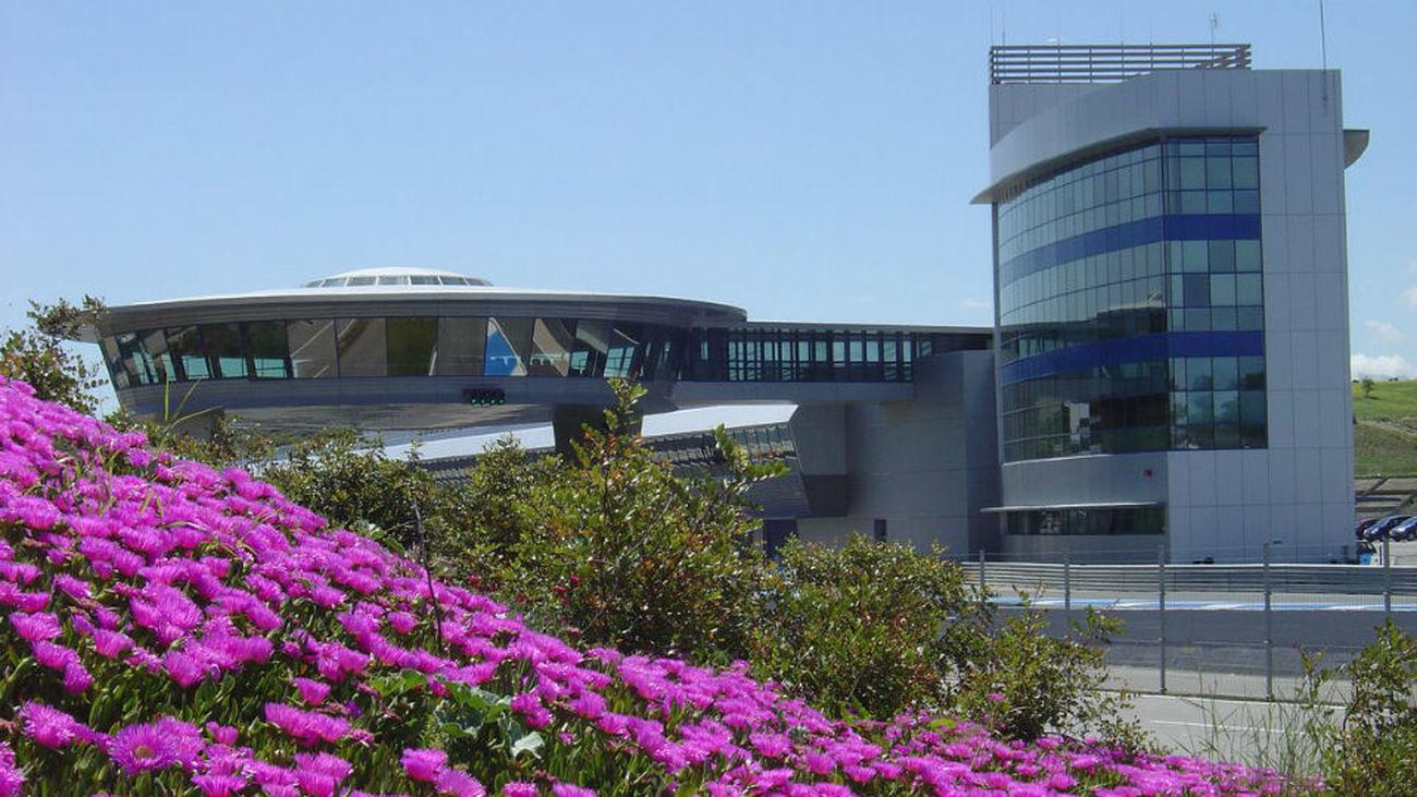 Circuito De Jerez : Formula one testing day two circuito de jerez stock