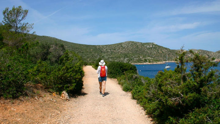 Sanidad permite realizar senderismo y actividades deportivas en grupo en espacios naturales a partir ...