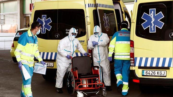 """El Gobierno percibe que la pandemia """"está empezando a descender"""" en España"""
