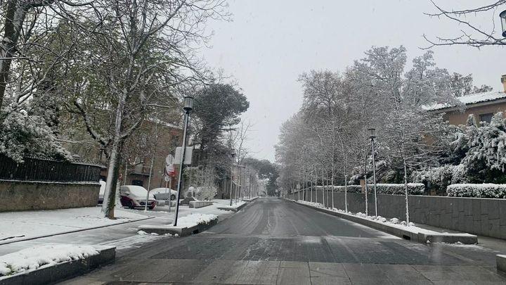La nieve se salta el estado de alarma en los municipios del noroeste de Madrid