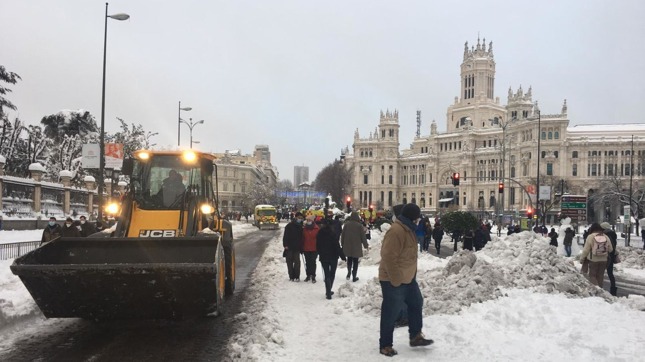 http://images.telemadrid.es/2021/01/11/noticias/madrid/Consejos-paliar-consecuencias-borrasca-Filomena_2304079664_19133991_1300x731.jpg
