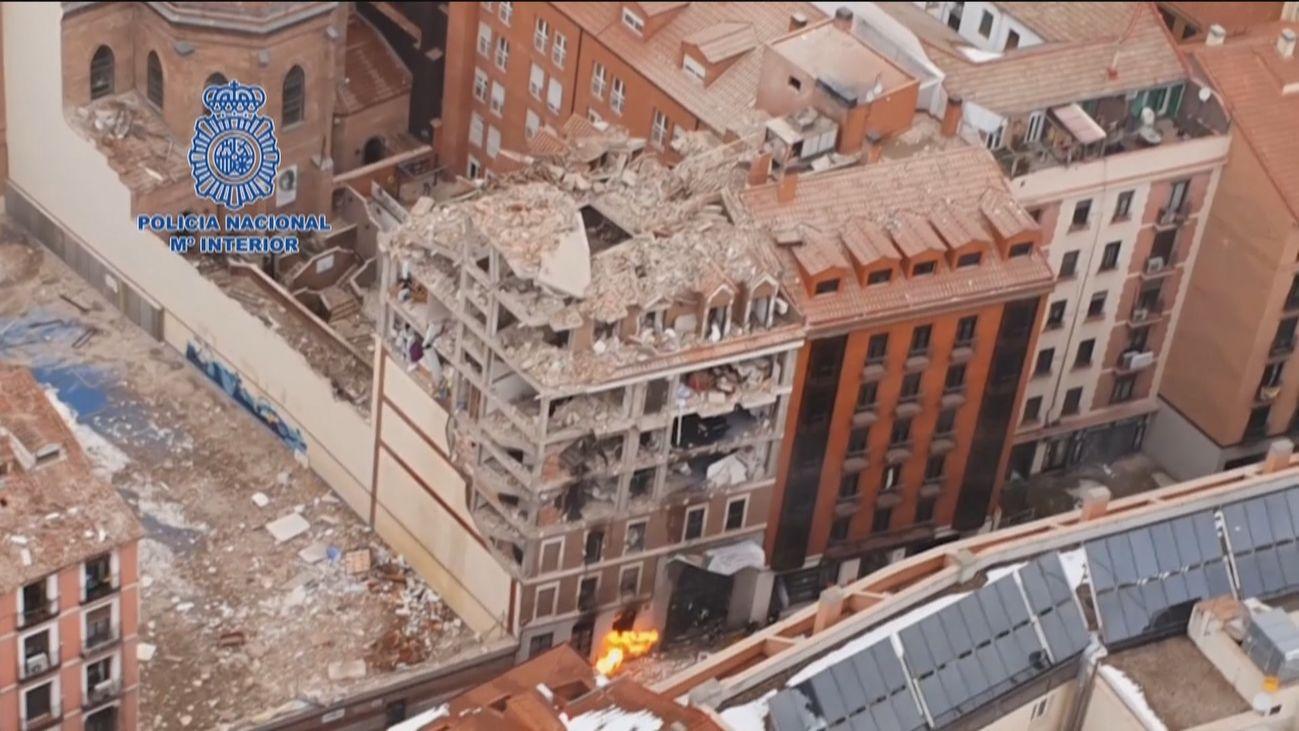 Imágenes del edificio siniestrado desde el helicóptero de Policía
